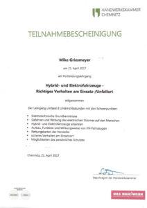 Fortbildung Hybrid- und Elektrofahrzeuge - Richtiges Verhalten am Einsatz- / Unfallort